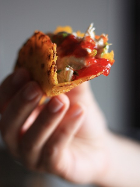 tortillas con composta di peperoni e cipolle poggio del picchio