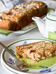 plum cake alle fragole- le ricette del poggio del picchio