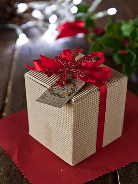Il Poggio del Picchio – confezione regalo natalizia scatola cartone quadrata confettura artigianale