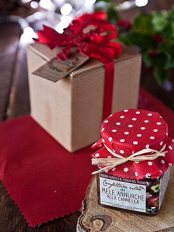 Il Poggio del Picchio - idea regalo originale per Nartale scatola cartone quadrata